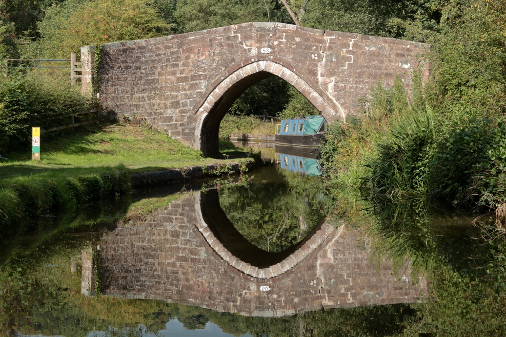 image of the Caldon Canal website